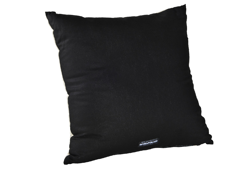 banksy_cushion01_c02_1029