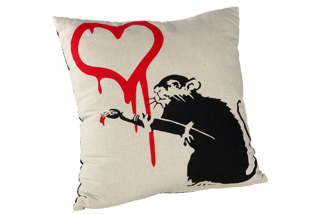 banksy_cushion02_c01_1029