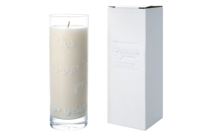 MILK-GLASS-CANDLE-made-by-APOTHEKE-FRAGRANCE_05